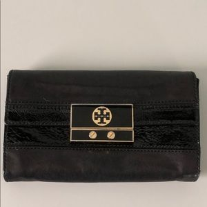 Tory Burch leather clutch / wallet!